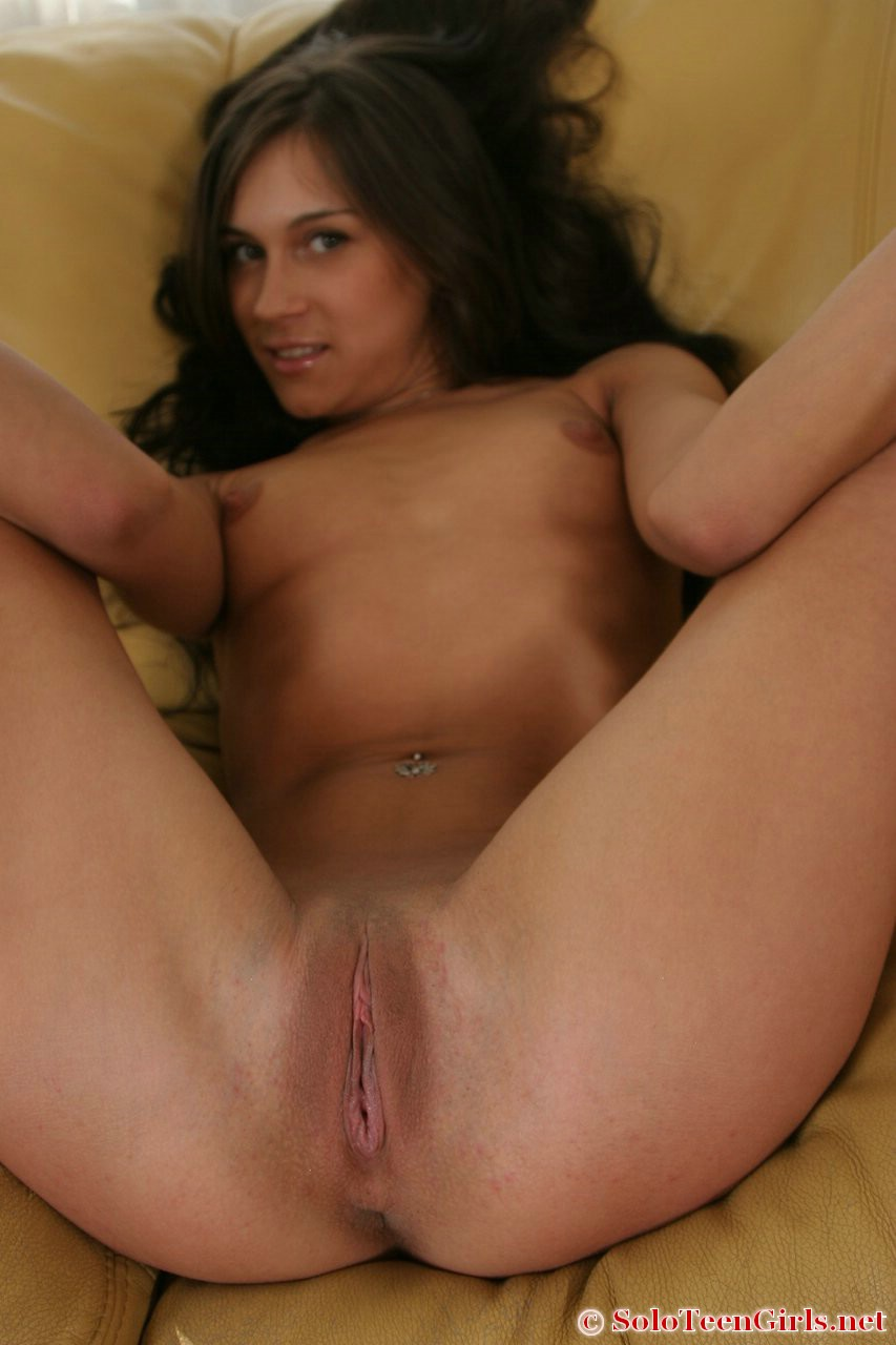 Free Solo Girl HD porn videos - PornHD